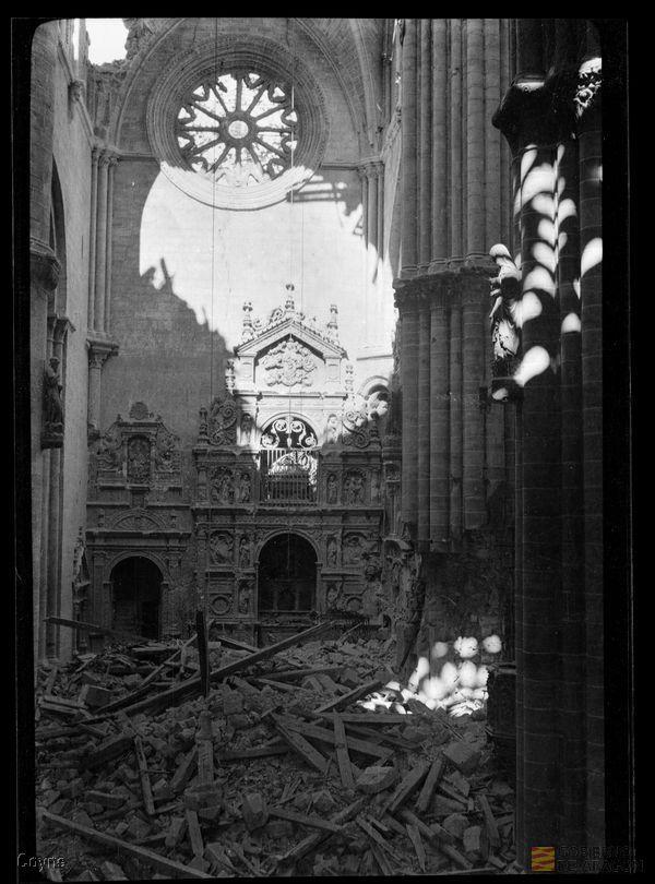 Archivo Histórico Capilla de Santa Librada tras los combates.Provincial de Zaragoza. Archivo fotográfico Coyne.
