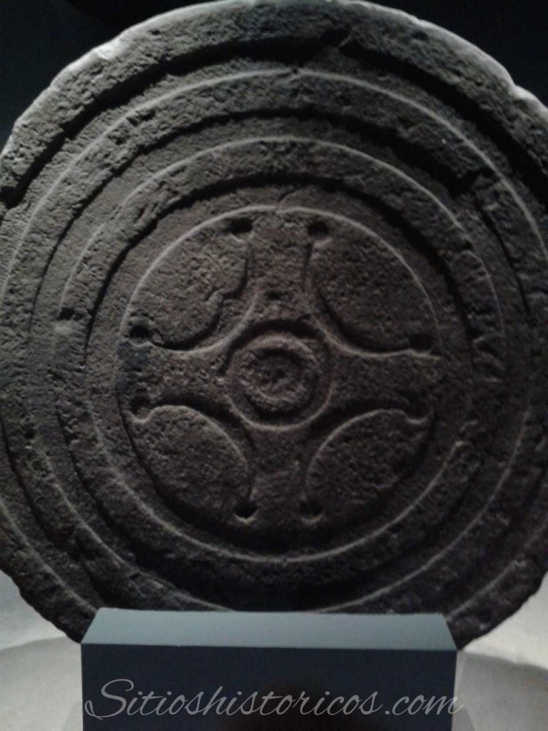 Estela de Zurita anverso