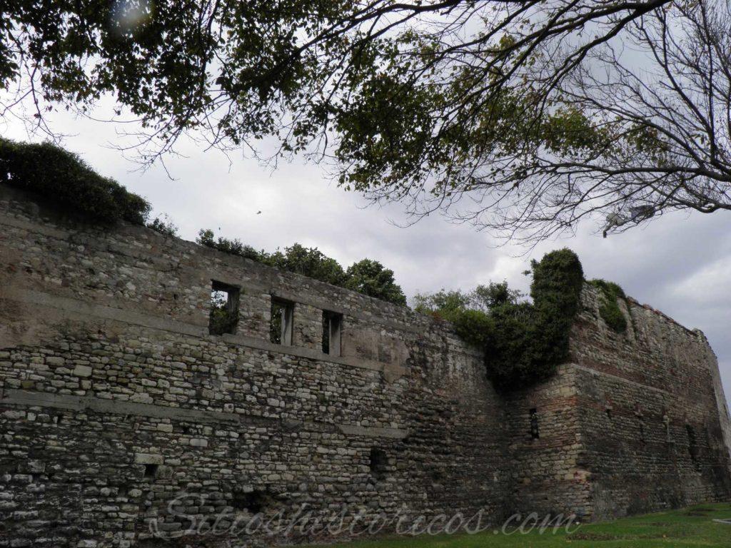 Sea walls Istanbul