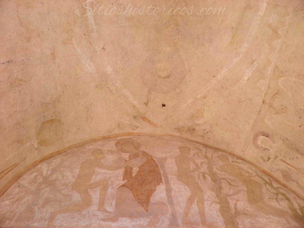 Restos de los frescos representando la creación de Andan y el pecado original.