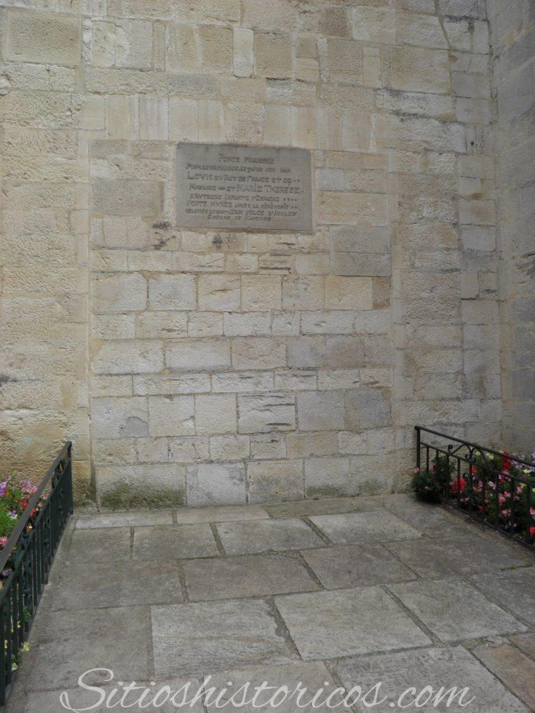 Puerta salida Luis XIV y Maria Teresa de Austria.