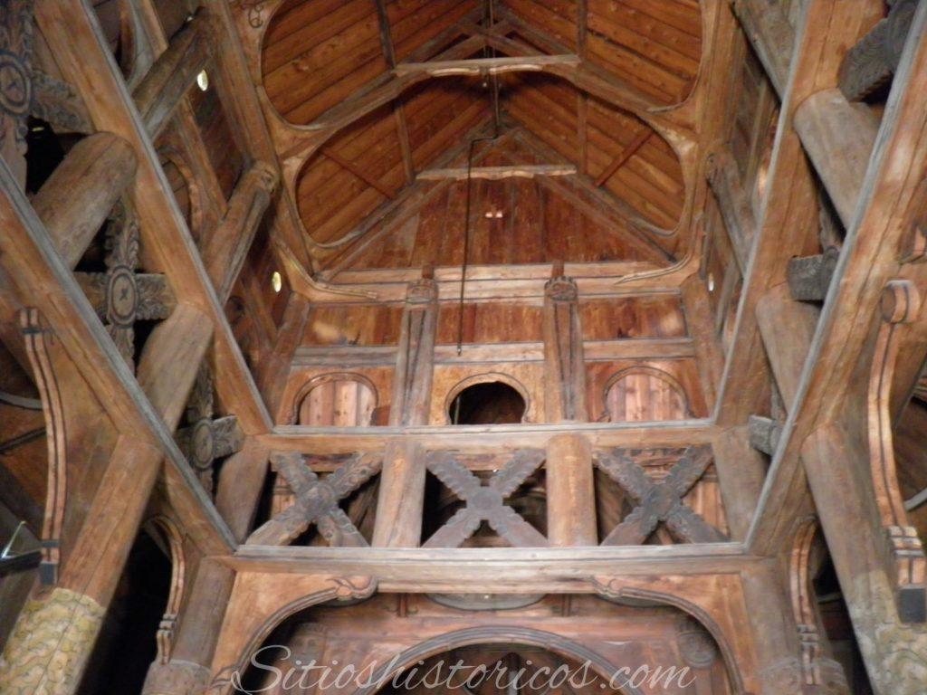 Interior iglesia Gol