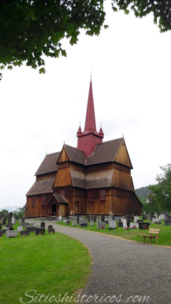 Iglesia de madera stavkirke