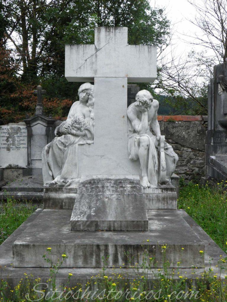 Sitios históricos mausoleo Eskoriatza
