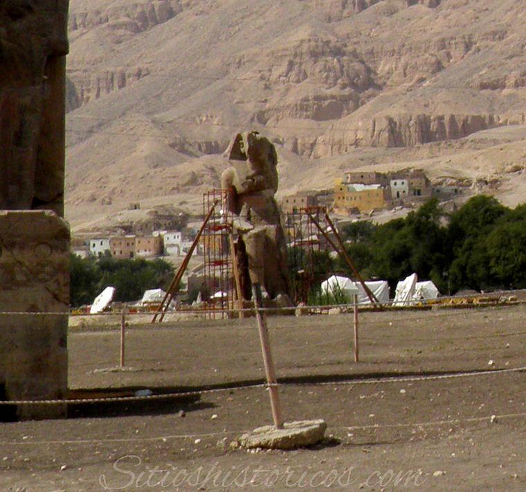 Secretos colosos Memnon