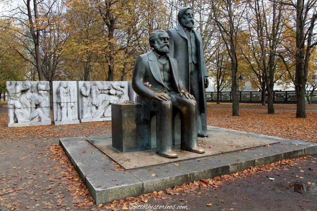 Estatua Marx Berlín