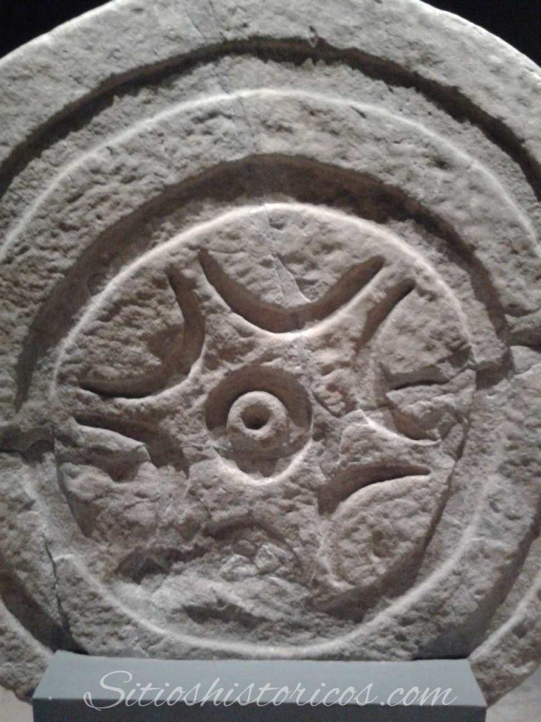 Estela de Lombera II anverso