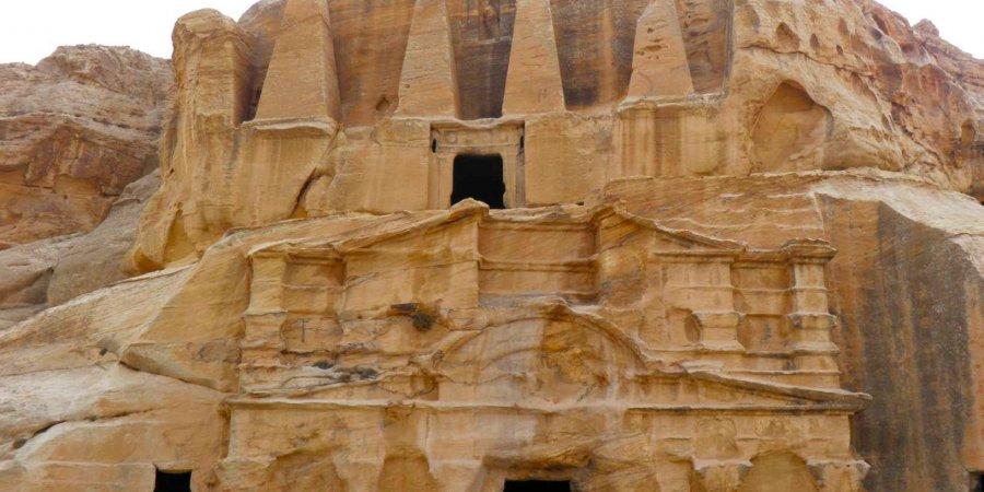 Tumba Obeliscos Petra