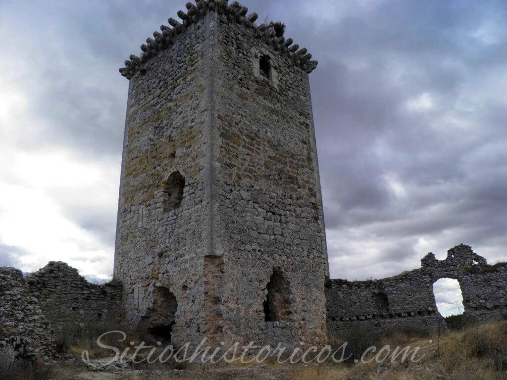 Torre castillo ucero