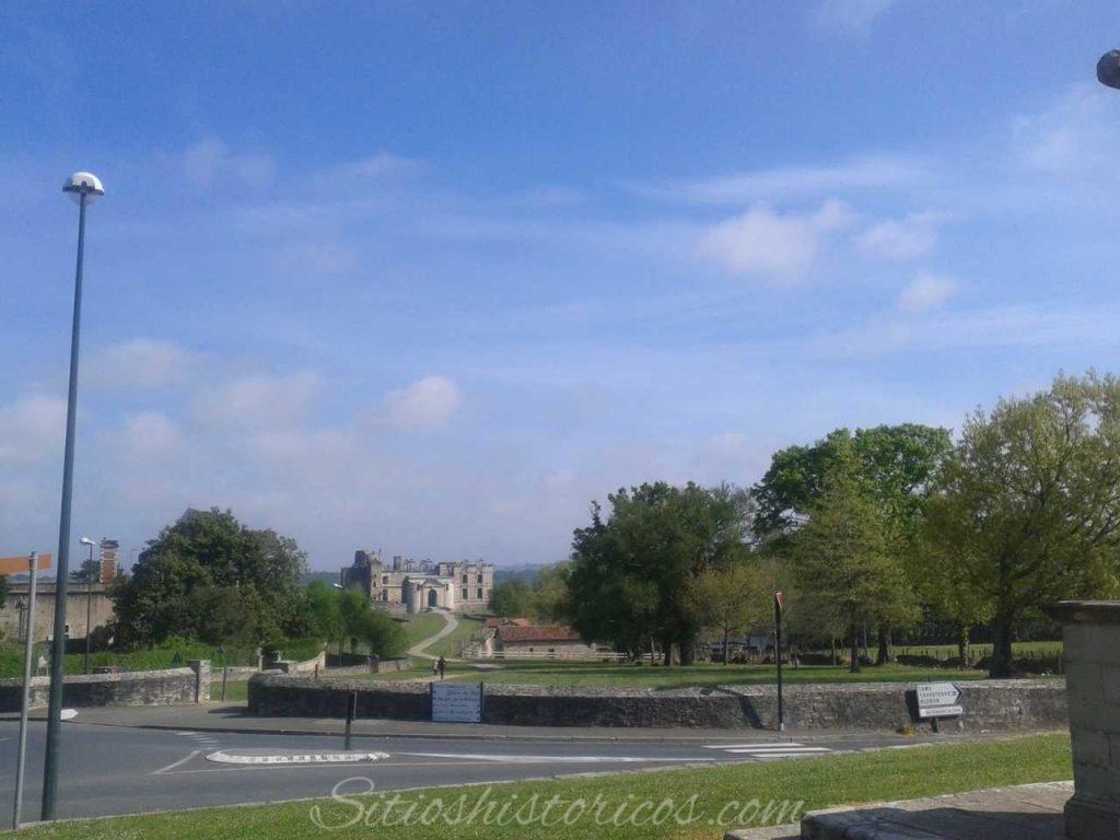 El castillo de Agramont desde Bidache