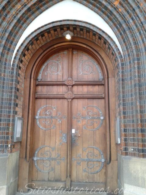 Puerta de la catedral de Aarhus