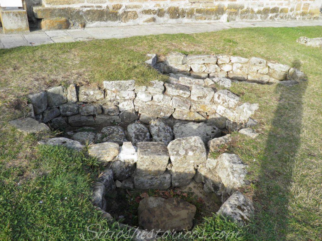 Tumbas de lajas necróplois medieval