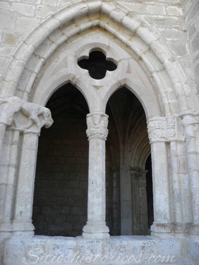 sitios históricos ventanal gótico