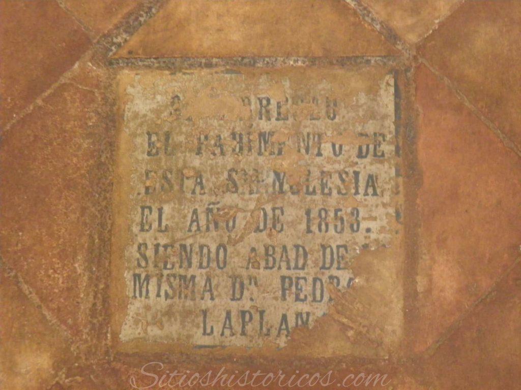Inscripción funeraria iglesia Santa Barbara