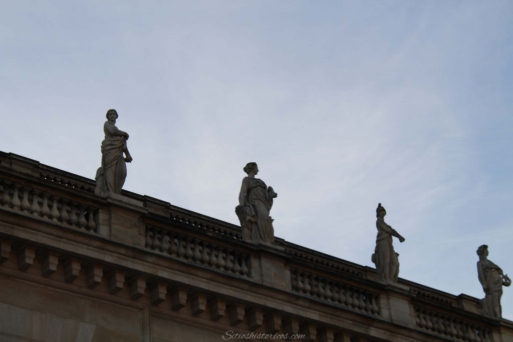 Estatuas Burdeos