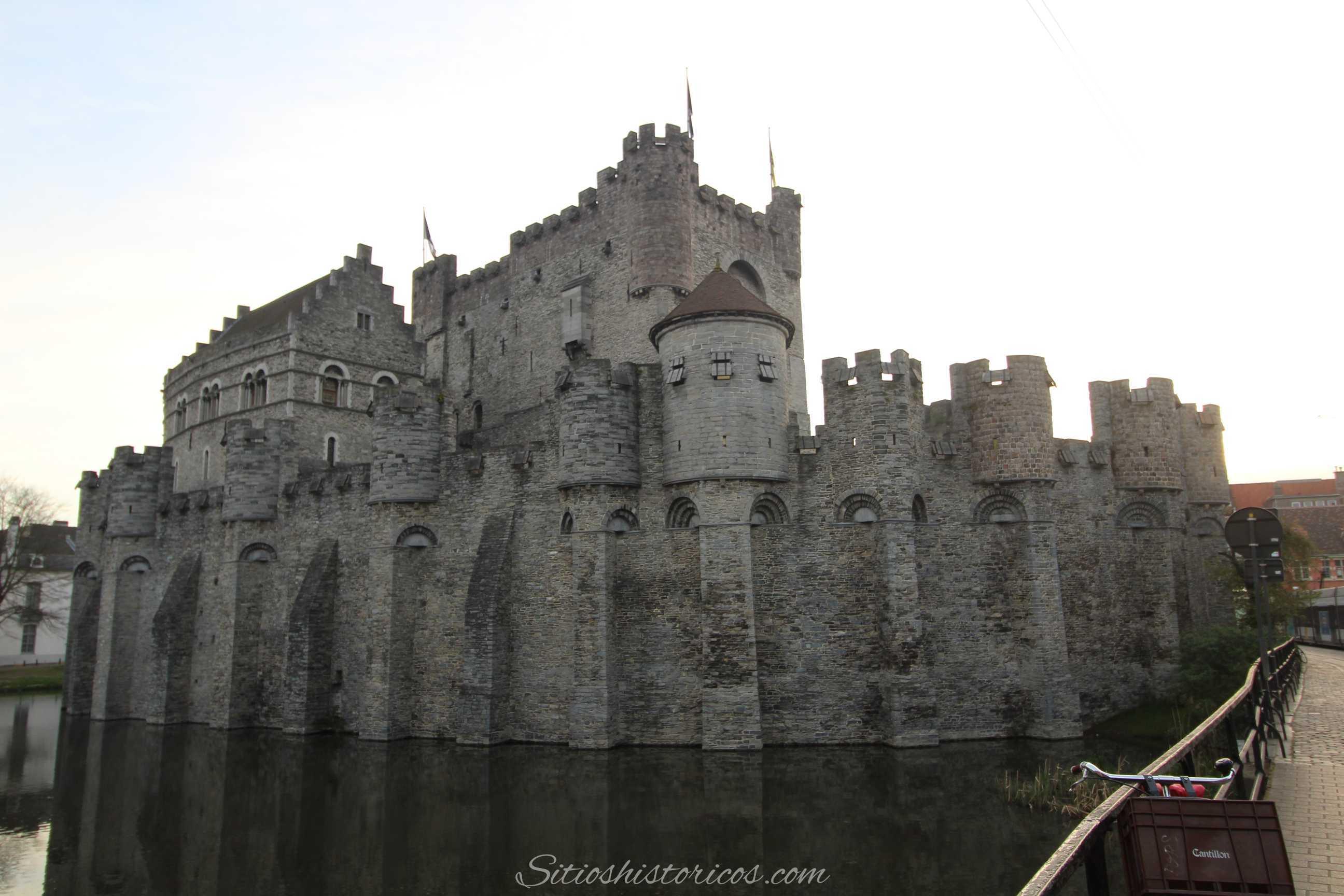 Castillo De Los Condes De Flandes Sitios Historicos
