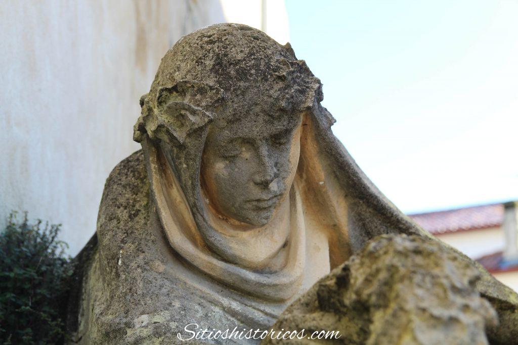 Monumento Sara Francia