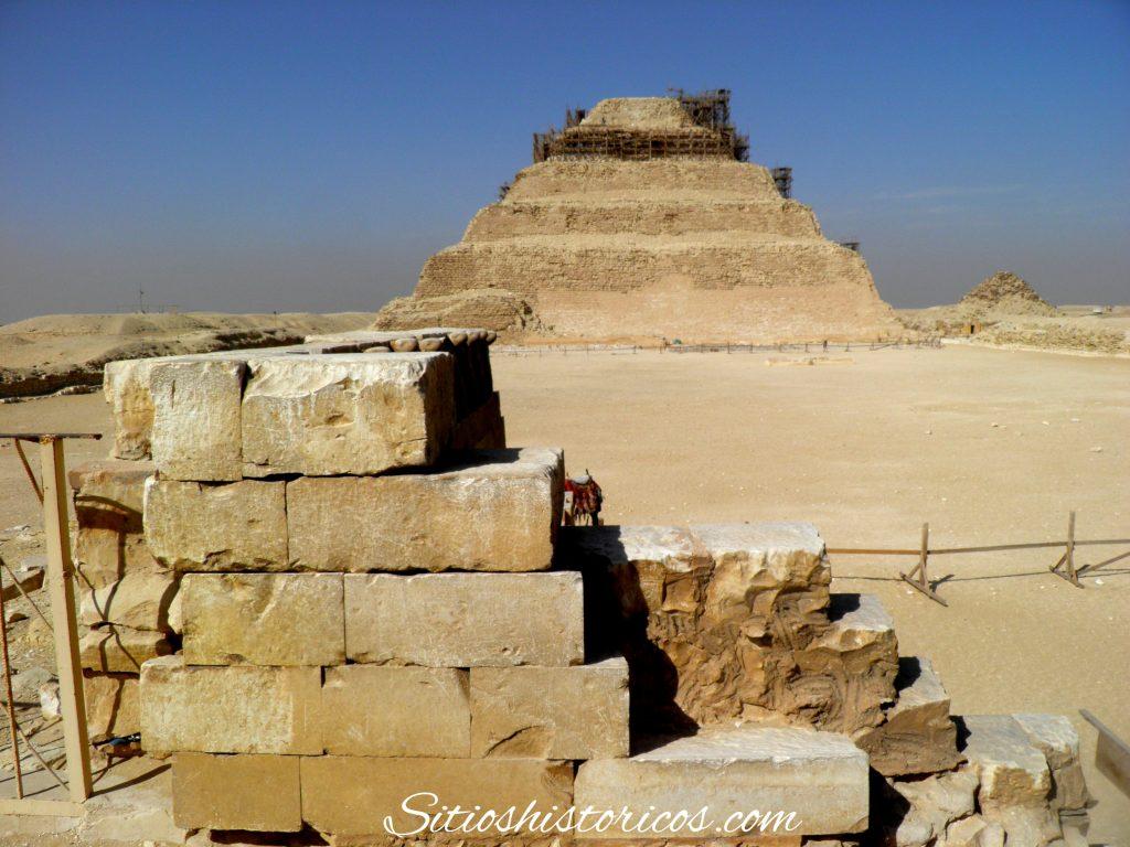 Pirámide escalonada Djoser