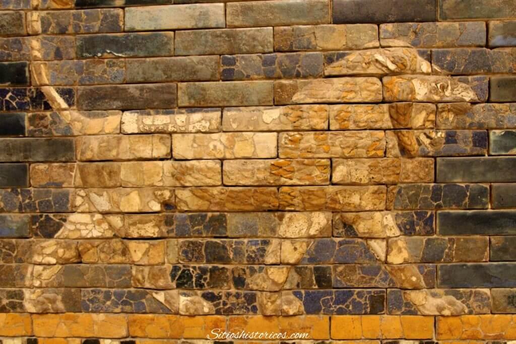 León Babilonia