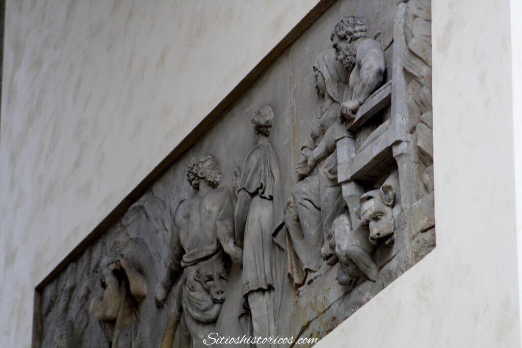 Relieves laterales puerta de Brandeburgo