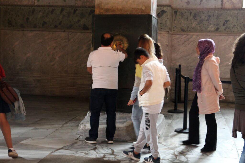 Columna que llora de Santa Sofía