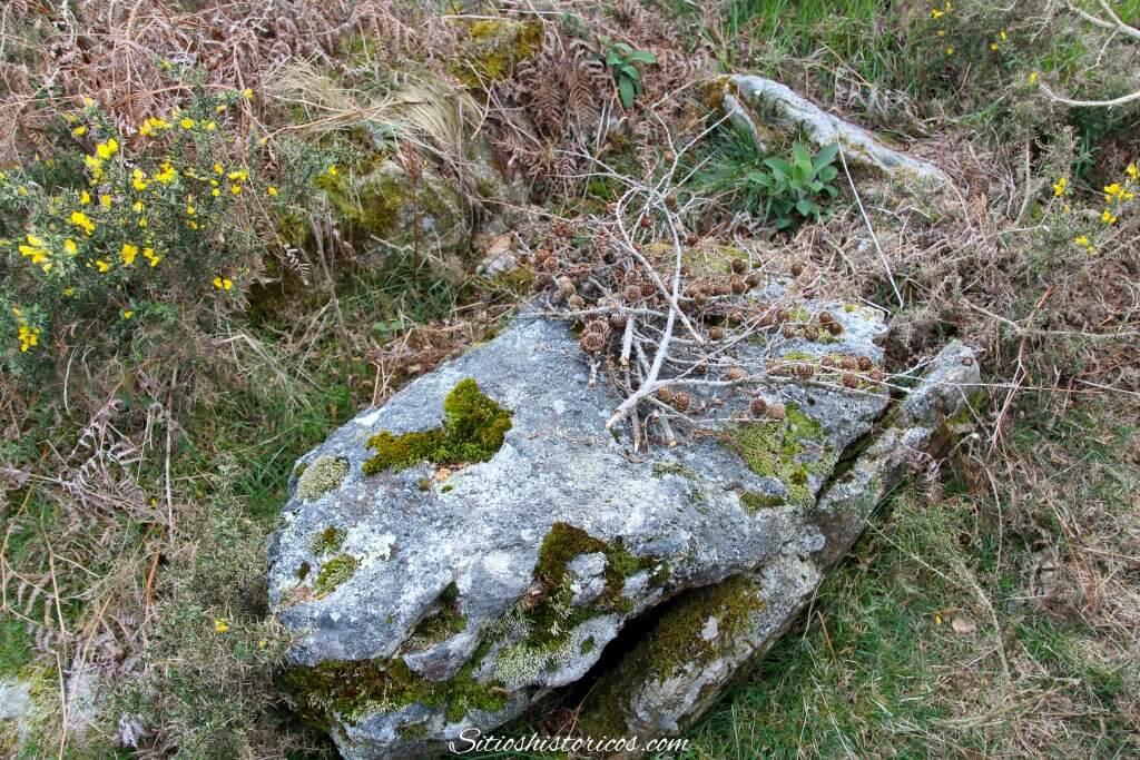 monumentos megalíticos Agiña