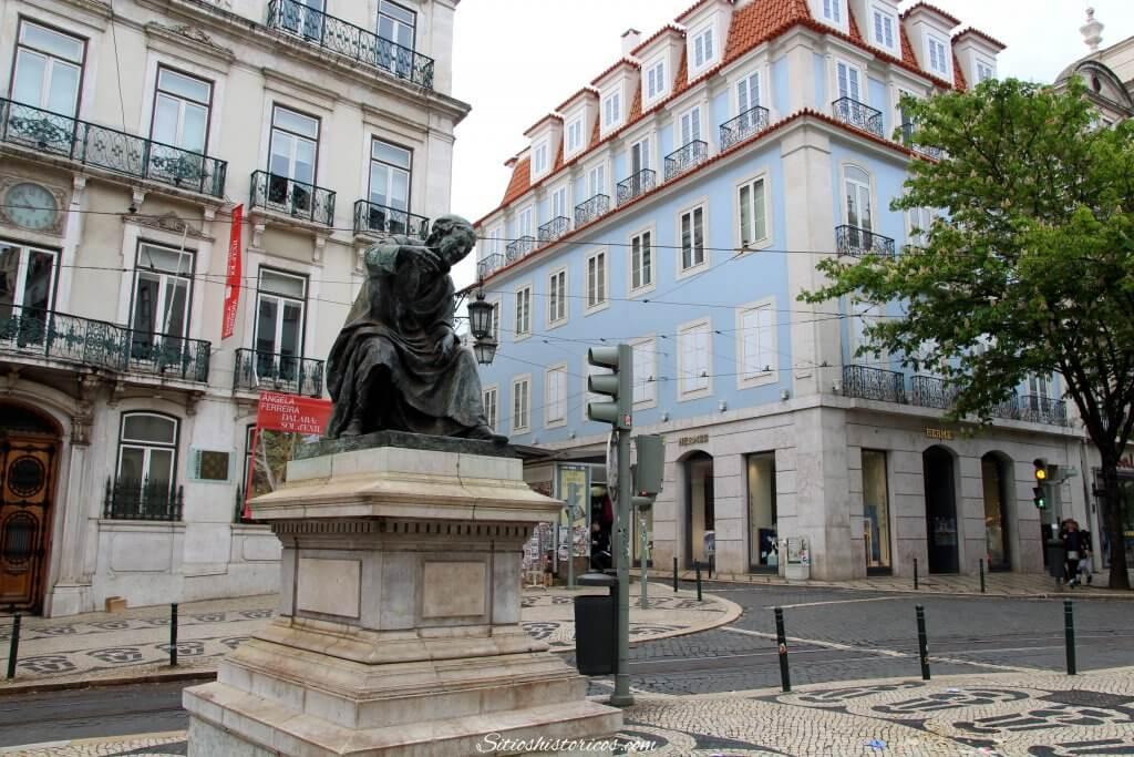 Estatua Antonio Ribeiro Chiado
