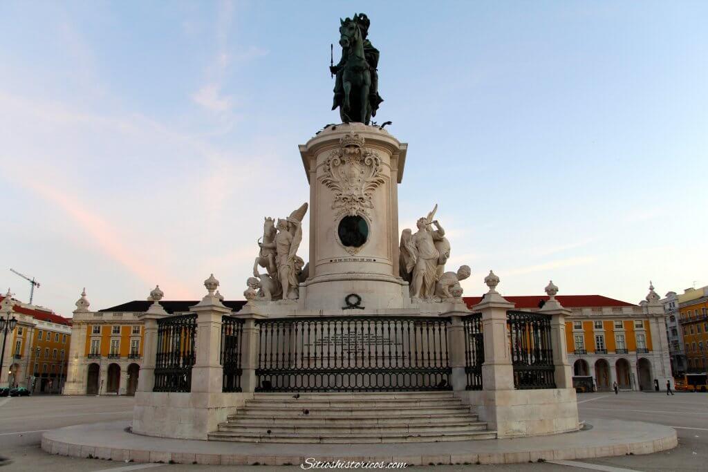Plaza del Comercio que ver