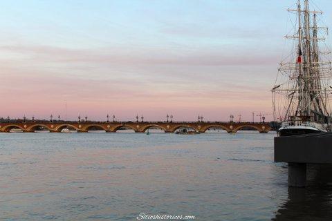 Puerto de la Luna Burdeos