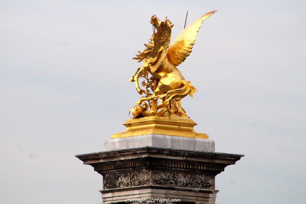 Curiosidades puente Alejandro III París