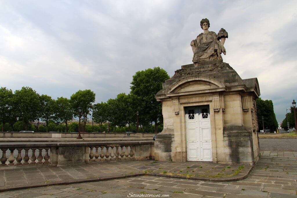 Estatua Burdeos