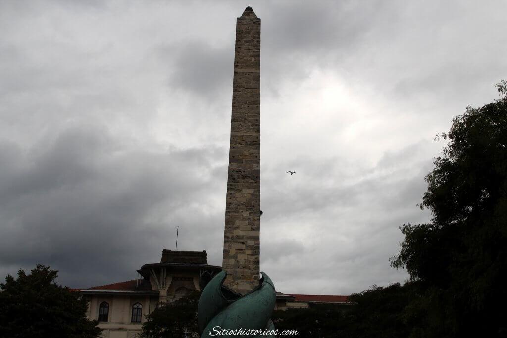 Columna de la Serpientes Constantinopla