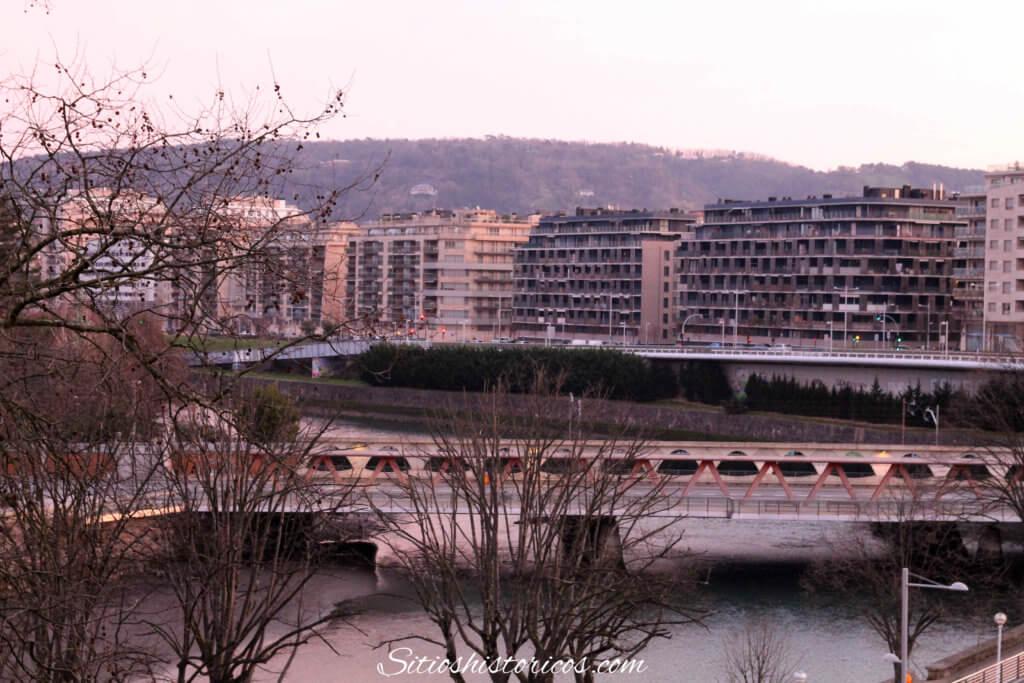 Puente de Hierro San Sebastián.
