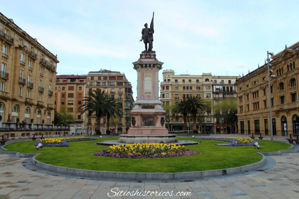 Estatua Okendo Donostia