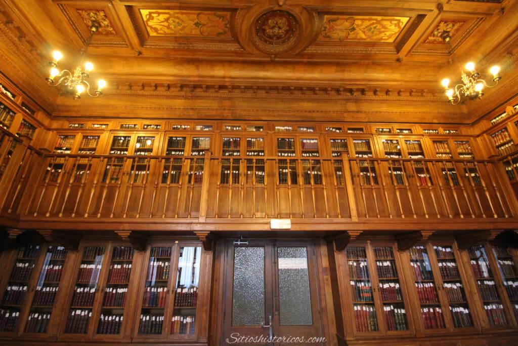 Biblioteca Duque de Mandas
