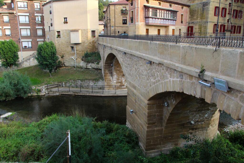 Puente Cuzcurrita de Río Tirón