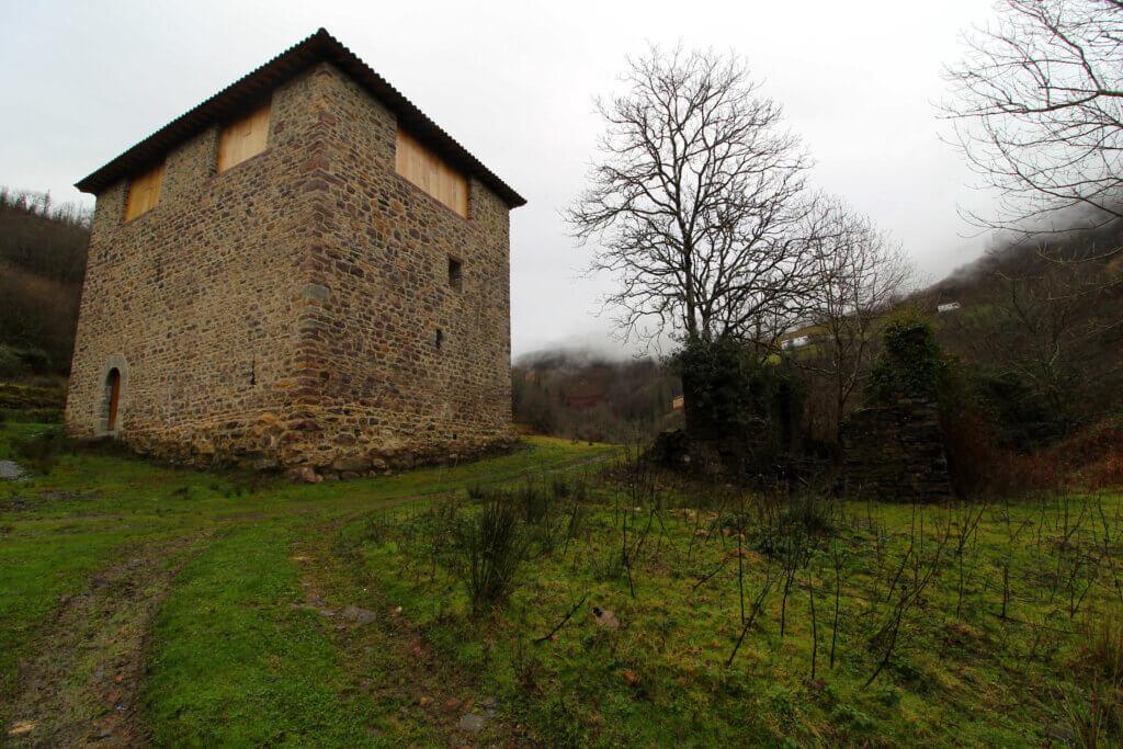 Torre medieval de Ibero.