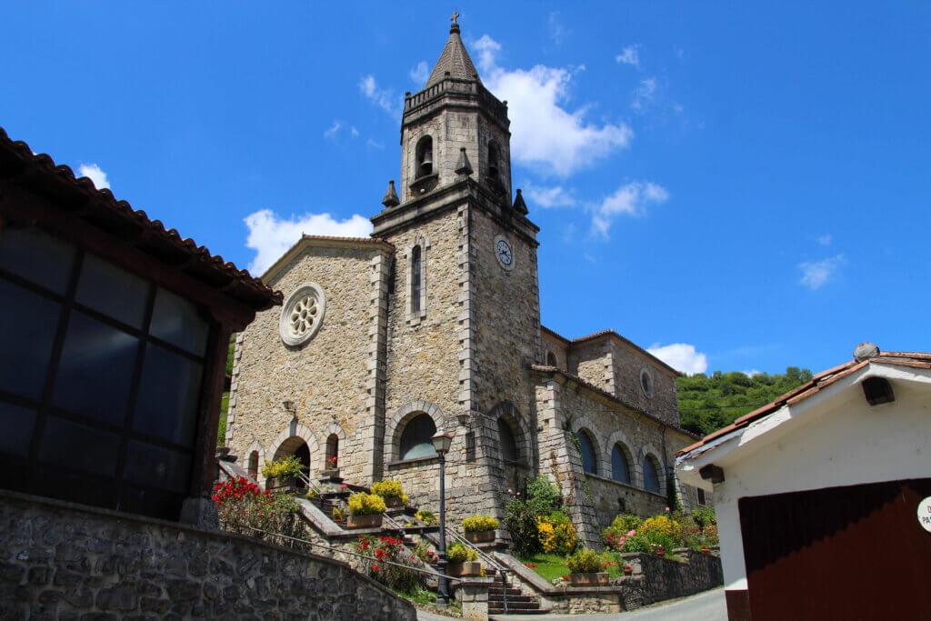 Iglesia de San Pedro de Almandoz